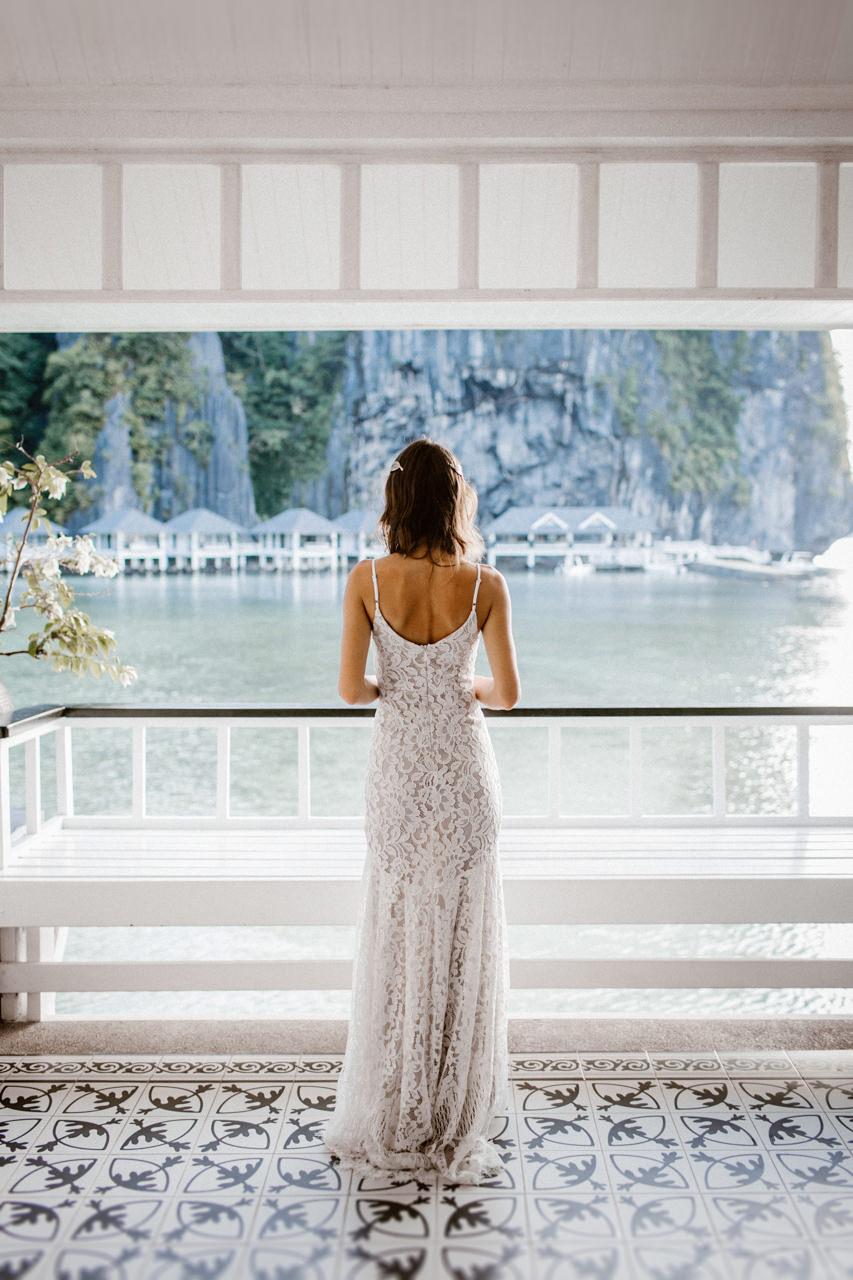 Pani młoda ubrana w suknię ślubną na Palawan, Filipiny