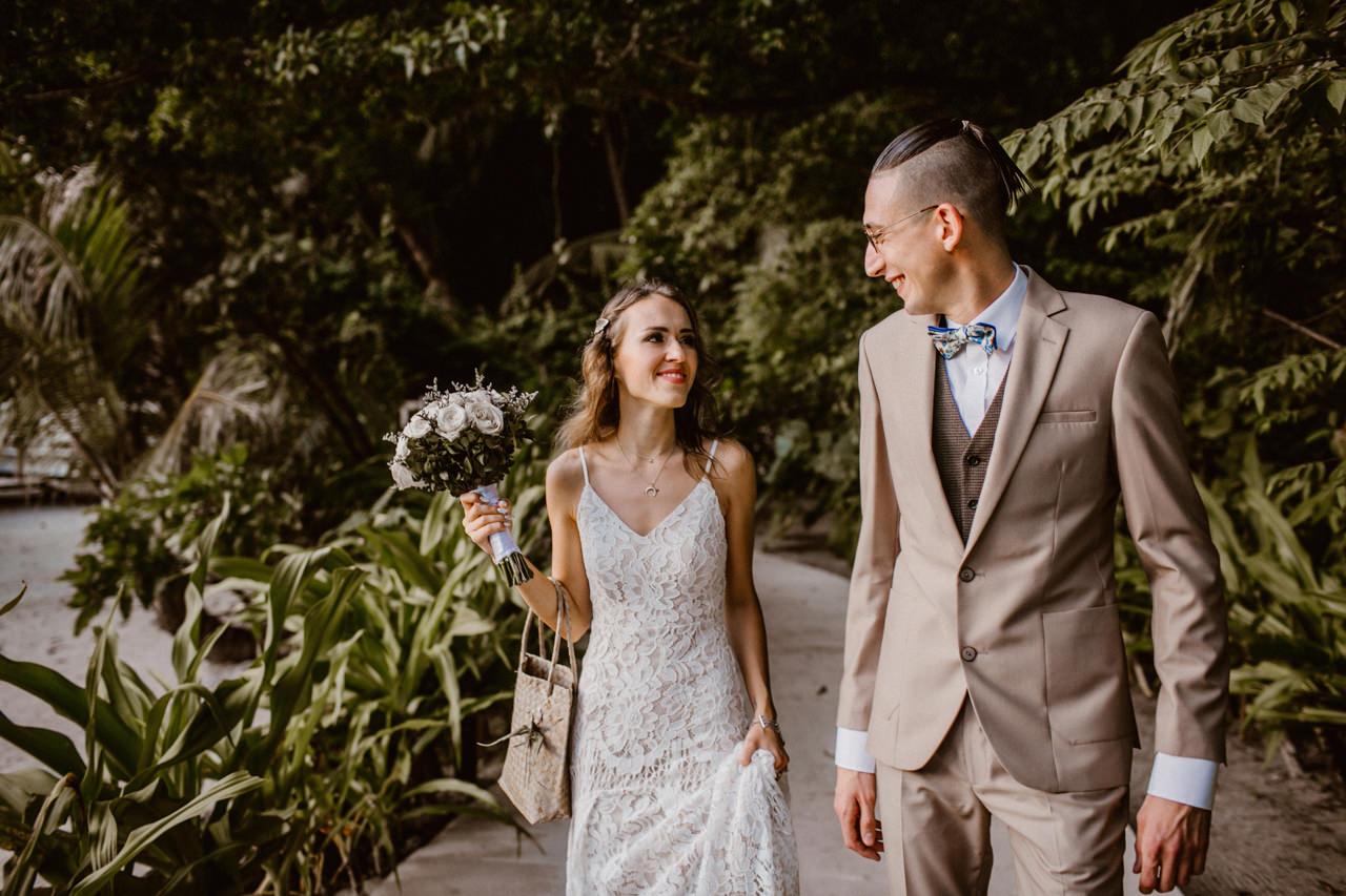Miniomki w drodze na ślub na Filipinach