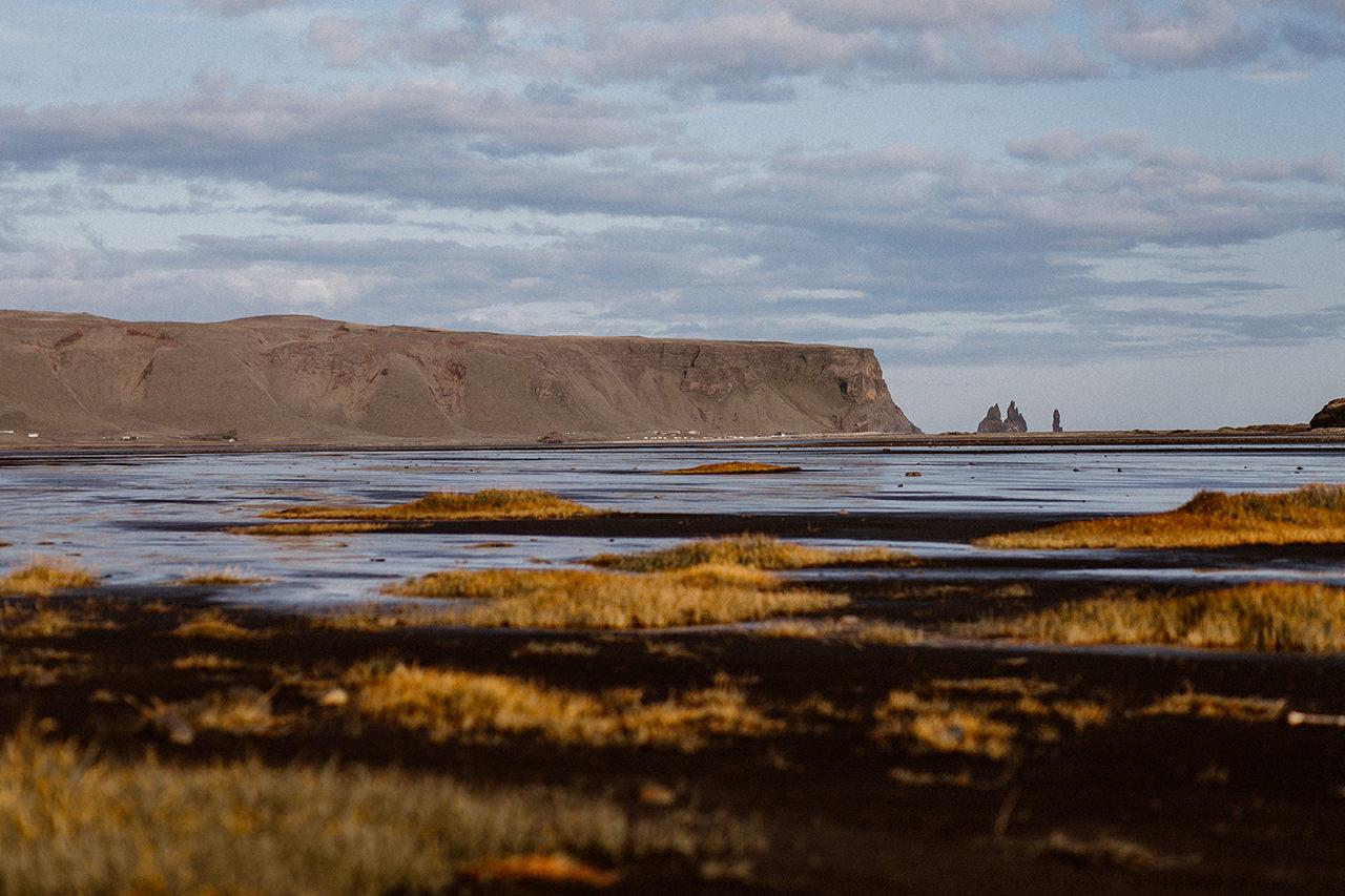 Widok na plażę na Islandii - fotograf ślubny Lublin