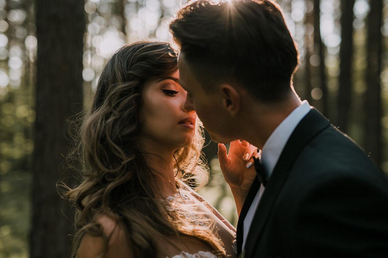 Styloly całowana przez męża
