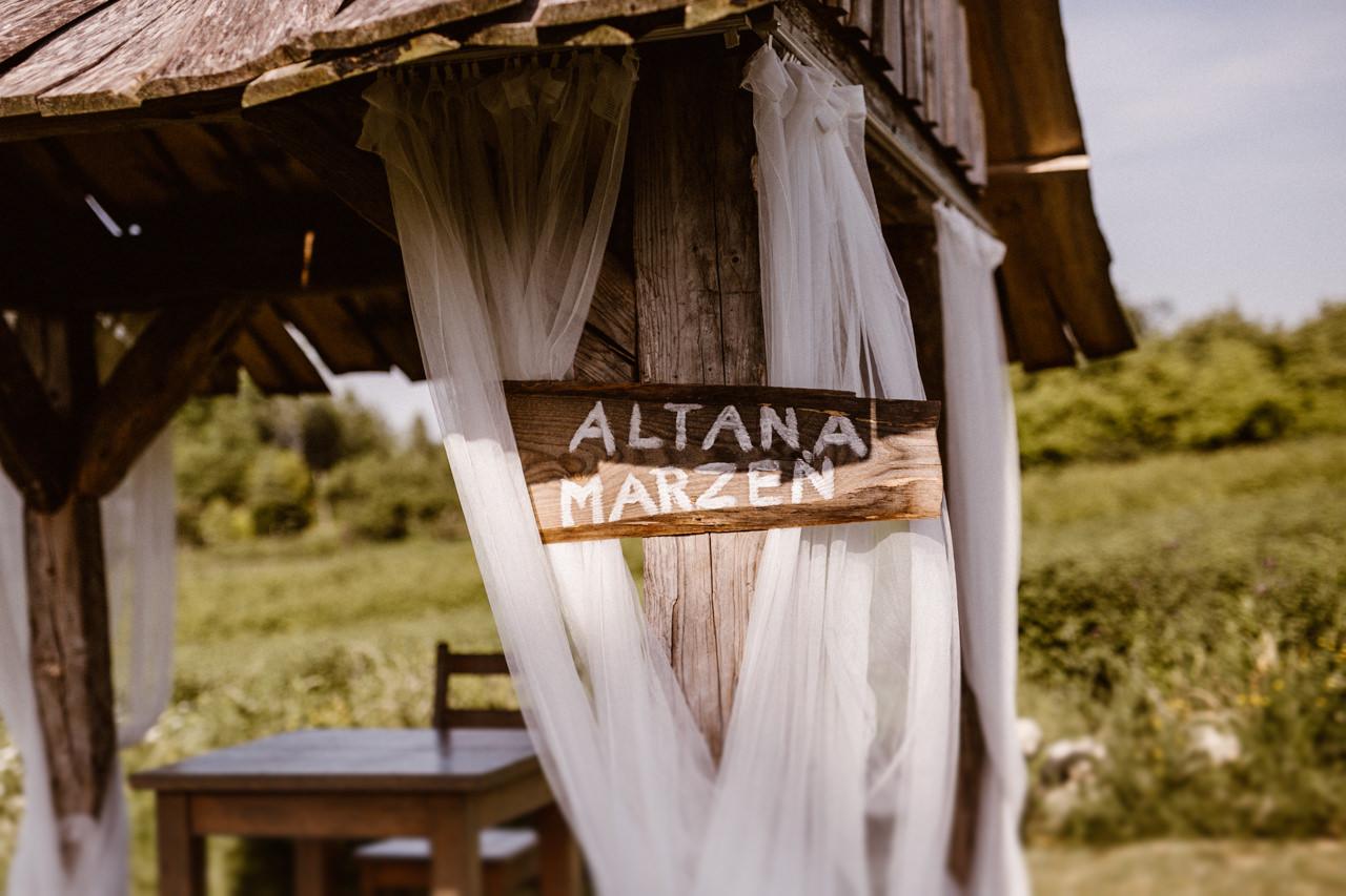 Ślub plenerowy w Łubinowych Wzgórzach 8