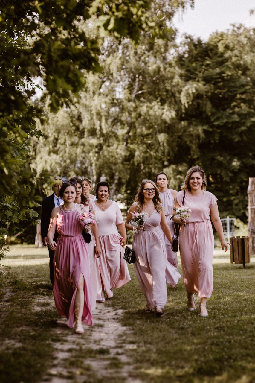 Ślub plenerowy w Łubinowych Wzgórzach 10