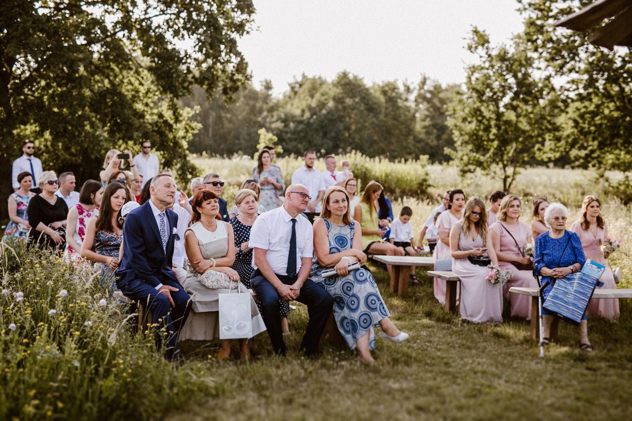 Ślub plenerowy w Łubinowych Wzgórzach 15