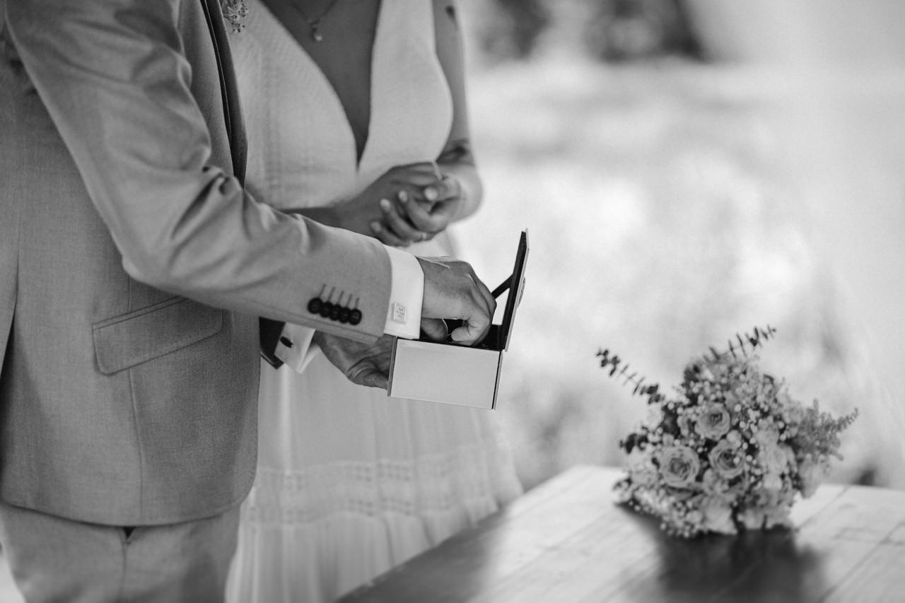 Ślub plenerowy w Łubinowych Wzgórzach 17