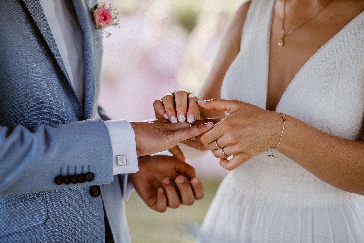 Ślub plenerowy w Łubinowych Wzgórzach 18