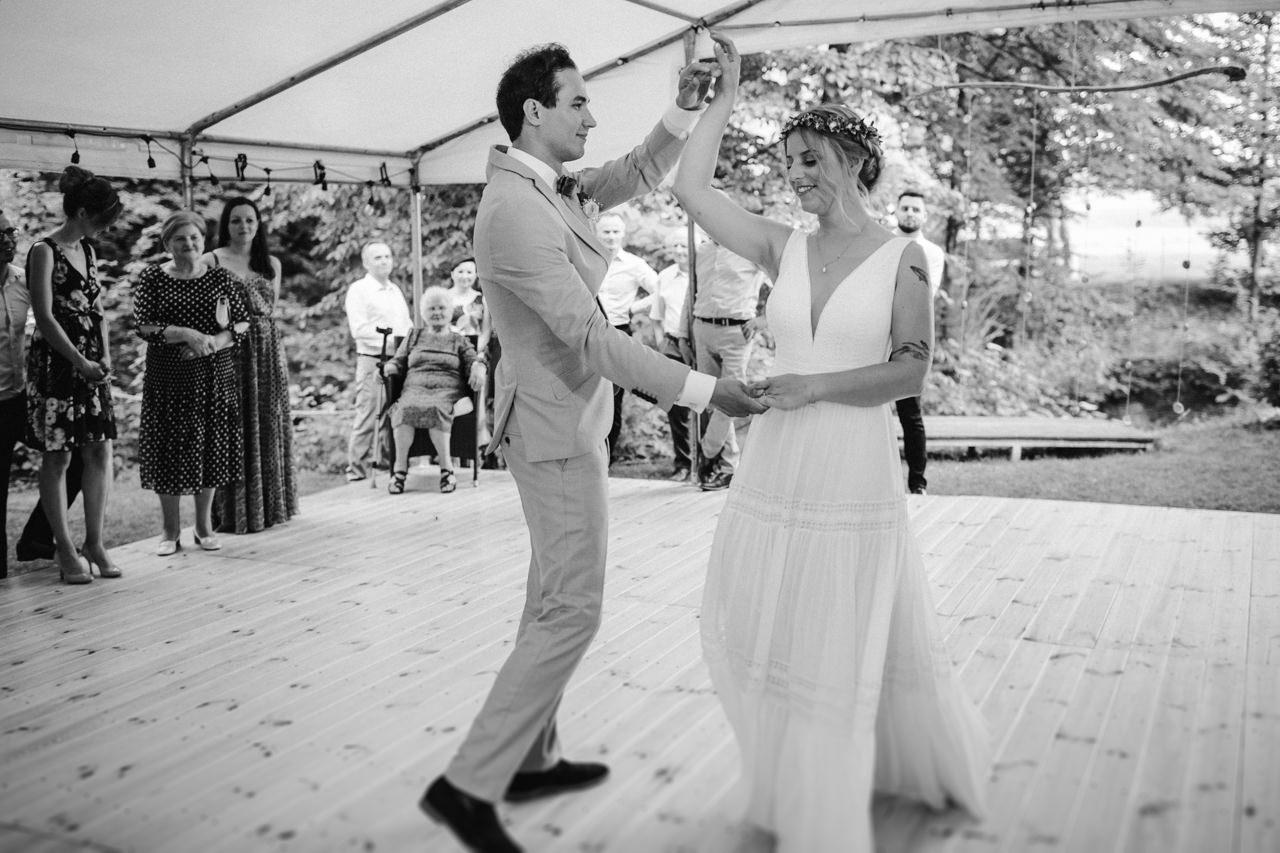 Ślub plenerowy w Łubinowych Wzgórzach 28