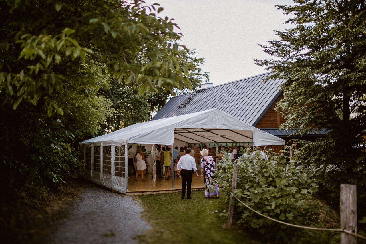Ślub plenerowy w Łubinowych Wzgórzach 33