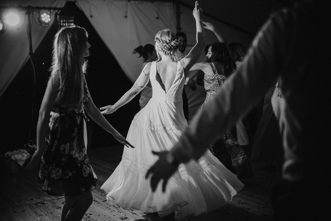Ślub plenerowy w Łubinowych Wzgórzach 39