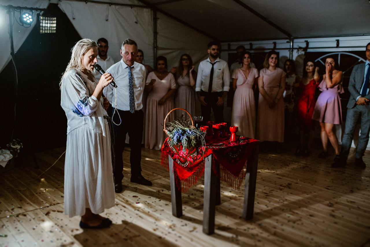 Ślub plenerowy w Łubinowych Wzgórzach 44